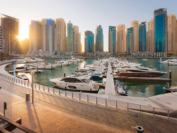 area guide dubai marina out and about hausandhaus